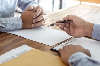 Jakie dodatkowe pakiety ubezpieczeń warto wykupić, będąc właścicielem prywatnego przedsiębiorstwa?