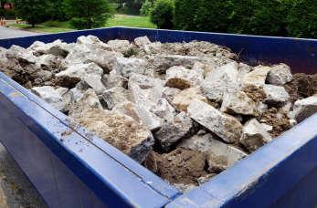 Co zrobić z odpadami powstającymi na budowie?