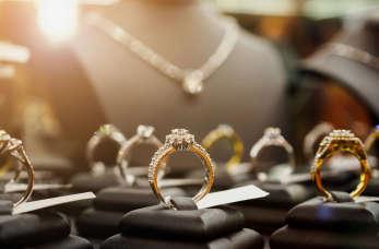 Biżuteria – prosty sposób na wyrażenie stylu