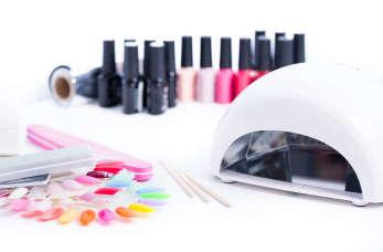 Tych artykułów nie może zabraknąć w profesjonalnym salonie manicure!