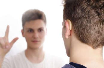 Bydgoski dystrybutor aparatów słuchowych – poznaj SŁUCH LAB