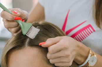 Jak często powinno się farbować odrosty, aby zawsze wyglądać dobrze i nie zniszczyć włosów?