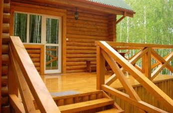 Jeśli dom, to drewniany z Łochowa
