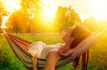 Alergia na słońce – jak sobie z nią radzić?