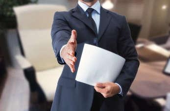 Poszukiwanie pracy z agencją pośrednictwa – dlaczego warto?