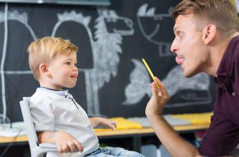 Leczeniem jakich zaburzeń mowy u dziecka zajmie się logopeda?