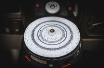 Jak zadbać o tachograf, czyli usługi specjalistycznego serwisu