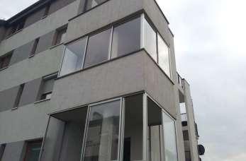 Zabudowa balkonu z konstrukcji aluminiowej