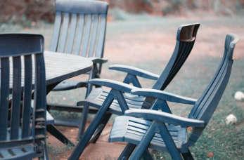 Czy warto kupić meble ogrodowe plastikowe?