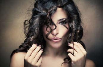 Czy dekoloryzacja włosów jest bezpieczna?