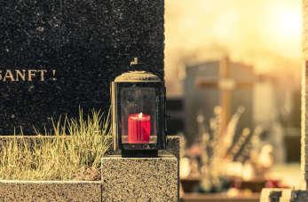 Śmierć bliskiej osoby – jak przygotować pogrzeb?