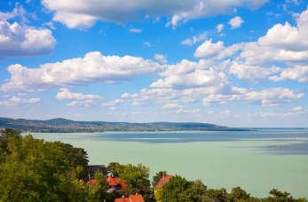 """Wczasy nad """"węgierskim morzem"""". Czy warto jechać nad Balaton?"""