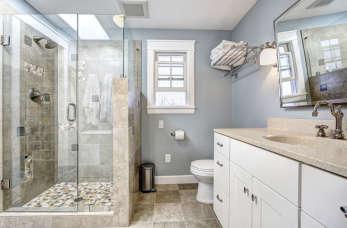 Wyposażenie nowoczesnej łazienki - możliwości aranżacyjne