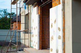 Dlaczego warto zdecydować się na ocieplenie ścian zewnętrznych domu?