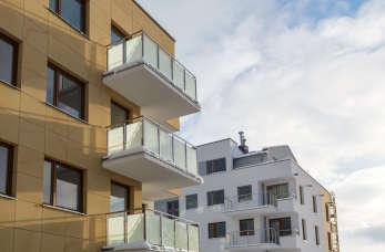 Dlaczego warto korzystać z usług biura nieruchomości przy kupnie domu?