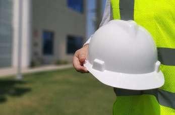 Rzeczoznawca budowlany, w czym może pomóc?