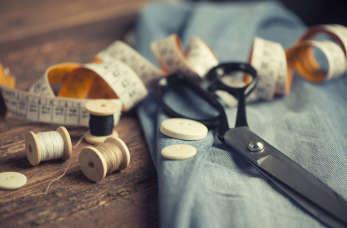 Porządki w szafie, czyli co zrobić ze starymi ubraniami?
