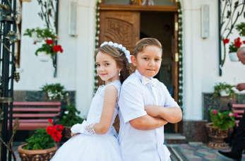 Co wybrać - sukienkę komunijną czy albę liturgiczną?