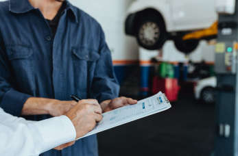Jakie elementy pojazdu warto regularnie kontrolować w warsztacie?