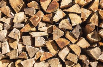 Przechowywanie drewna kominkowego