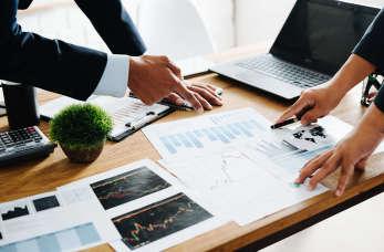 Doradztwo podatkowe dla firm – co w tym zakresie proponują specjaliści?