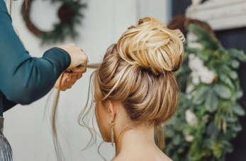 Jaką fryzurę damską najlepiej wybrać na wesele?