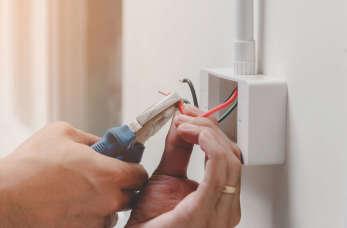 Wewnętrzna instalacja elektryczna – o co należy zadbać?