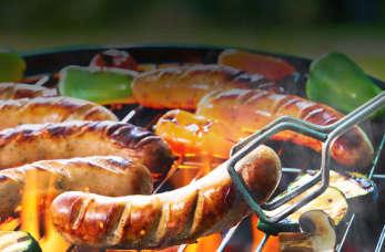 Kto może świadczyć usługi obsługi gastronomicznej imprez plenerowych?