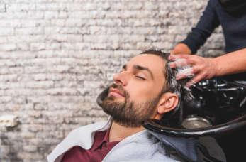 Farbowanie włosów męskich – kiedy panowie decydują się na ten krok?