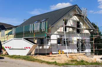 Dom pod klucz – czym kierować się przy wyborze firmy budowlanej?