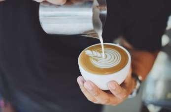 Charakterystyka idealnego mleka dla baristów