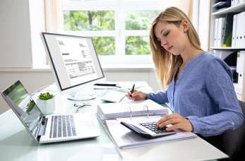 Dlaczego warto skorzystać z usług biura rachunkowego?