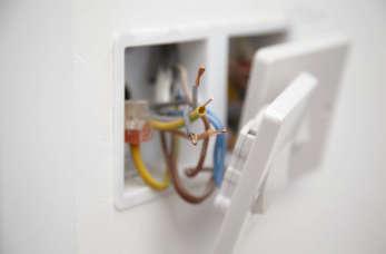 Kilka słów o montażu instalacji elektrycznych