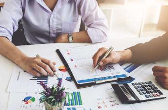Jakie dokumenty są niezbędne w przedsiębiorstwie?
