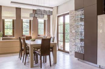 Plastikowe czy drewniane? Jakie okna wybrać?