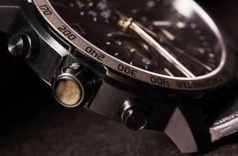 Mężczyzno, zadbaj o dodatki, wybierz odpowiedni zegarek!