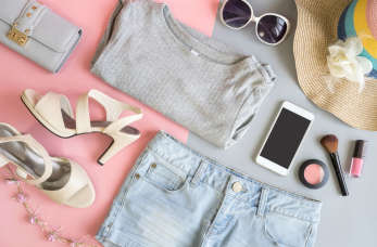 Wszystko zaczyna się od tkanin – jak szyć modne ubrania? Liczy się jakość i ciekawy wzór