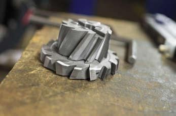 Jak działają obrabiarki do metalu? Jakie maszyny są niezbędne?