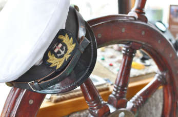 Praca dla polskich marynarzy, oficerów morskich i mechaników