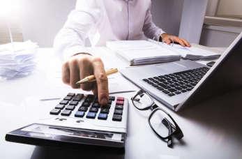 Zadbaj o sprawy finansowe firmy – postaw na pełną księgowość