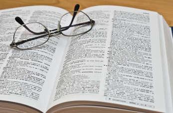 Jak wybrać dobrego tłumacza?