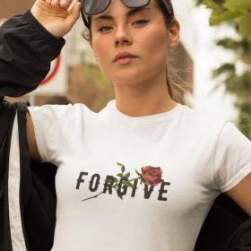 T-shirt koszulka Forgive biała M out